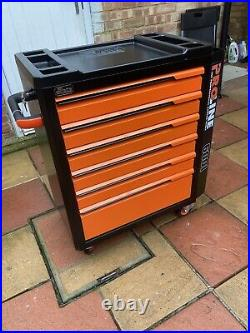 Tool chest roller cabinet